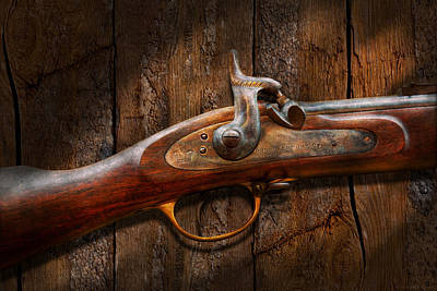 Gunslingers Photograph - Gun - Musket - London Armory  by Mike Savad