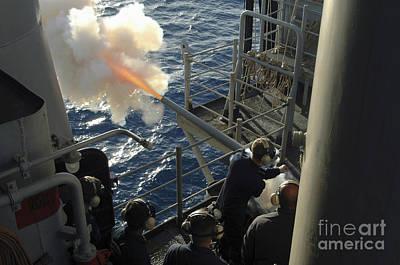 Gunners Mates Fire The .40mm Saluting Art Print by Stocktrek Images