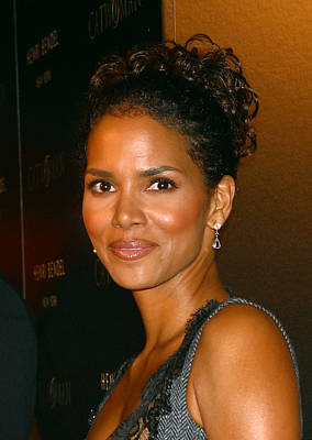 Halle Berry Photograph - Halle Berry At The Henri Bendel by Everett