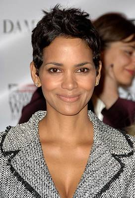 Halle Berry Photograph - Halle Berry In Attendance For The by Everett