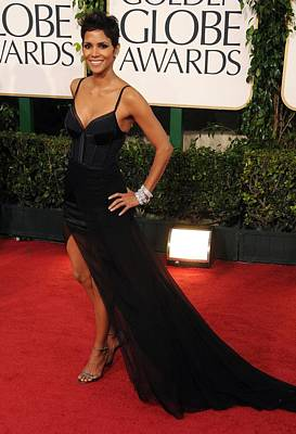 Halle Berry  Wearing A Nina Ricci Gown Art Print by Everett