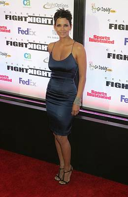 Halle Photograph - Halle Berry Wearing A Rachel Roy Dress by Everett