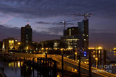 Photograph - Hamburg by Jorgen Norgaard