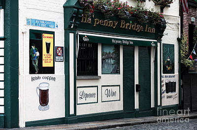 Photograph - Ha'penny Bridge Inn by John Rizzuto