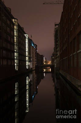 Photograph - Harbour City by Jorgen Norgaard