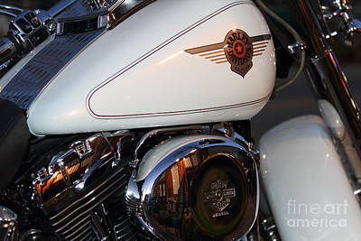 Photograph - Harley-davidson Motorcycle . 7d12759 by Wingsdomain Art and Photography