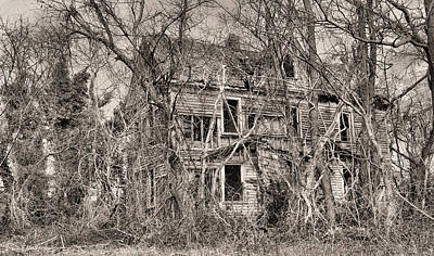 Photograph - Haunting In Delmarva by JC Findley