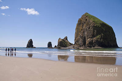 Photograph - Haystack Rock Seascape Canon Beach Oregon Usa by Sherry  Curry