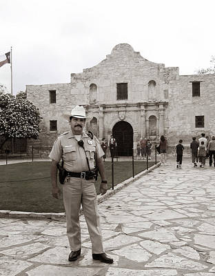 Photograph - He Guards The Alamo by Lorraine Devon Wilke