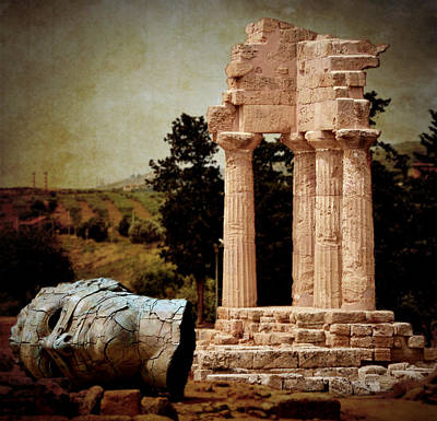Head At Temple Of Castor And Pollux Art Print by RicardMN Photography