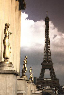 Majestic Photograph - Heading To The Eiffel Toower by Andrew Soundarajan