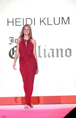 Heidi Klum In Attendance For The Heart Art Print
