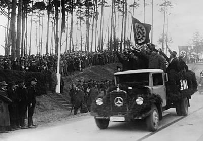 Goering Photograph - Hermann Goring In Group At Left by Everett