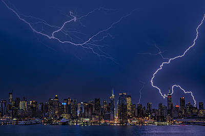 Lightning Photograph - High Voltage In The  New York City Skyline by Susan Candelario