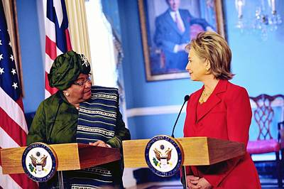 Hillary Clinton Meets With Liberian Art Print by Everett