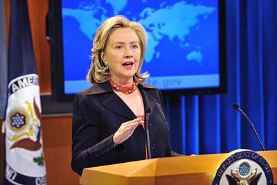 Hillary Clinton Speaking Art Print by Everett
