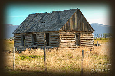 Photograph - Historic Homestead by Donna Greene