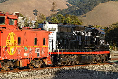Historic Niles Trains In California . Old Southern Pacific Locomotive And Sante Fe Caboose . 7d10850 Art Print