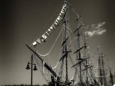 Photograph - Hms Bounty 2 by Scott Hovind