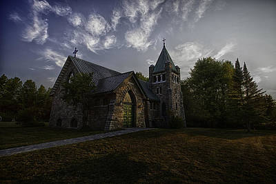 Photograph - Holy Trinity Anglican Church by Richard Lee