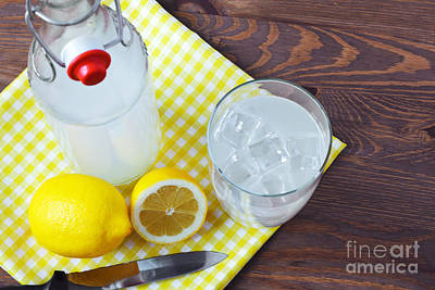 Homemade Traditional Lemonade. Art Print by Richard Thomas