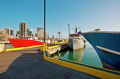 Photograph - Honolulu Harbor by David Cornwell - Printscapes