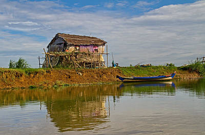 Photograph - House By The River by David Freuthal