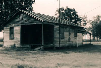 Photograph - House Near Jeanerette Louisiana by Doug Duffey