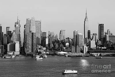 Empire State Building Photograph - Hudson River And Manhattan Skyline II by Clarence Holmes