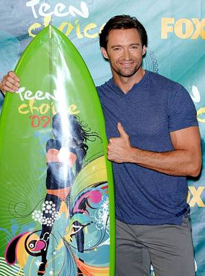 Gibson Amphitheatre At Universal Citywalk Photograph - Hugh Jackman In The Press Room For Teen by Everett