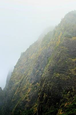 Photograph - Iao Cliff by Richard Omura