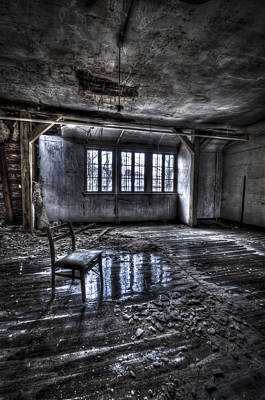 Haunted House Photograph - Ice Chair by Nathan Wright