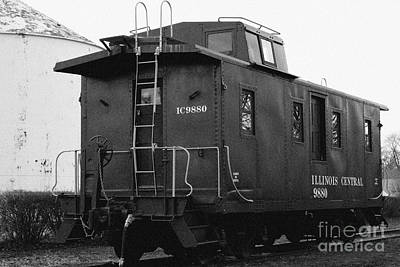 Old Caboose Photograph - Icg Caboose by Alan Look