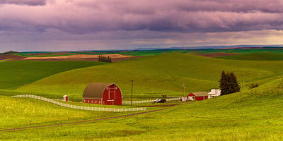 White Fence Photograph - Iconic Farm On The Idaho Palouse by Alvin Kroon