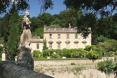 Photograph - Iford Manor And Statue by Ed Lukas