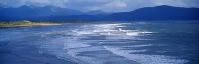 Jolly Old Saint Nick - Inch Beach, Dingle Peninsula, County by The Irish Image Collection