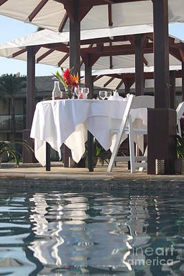 Photograph - Infinity Pool Dining by Terri Thompson