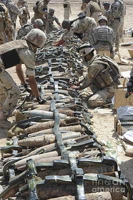Foreign Military Photograph - Iraqi Soldiers And The U.s. Army Place by Stocktrek Images