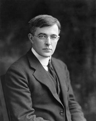 Gas Lamp Photograph - Irving Langmuir, American Chemist by Humanities And Social Sciences Librarynew York Public Library