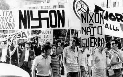 Anti-war Photograph - Italian Anti-nixon Demonstrators March by Everett