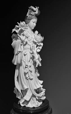 Ivory Carving Photograph - Ivory Lady Bw by Linda Phelps