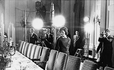 Jacqueline Kennedy And Television Crew Art Print by Everett