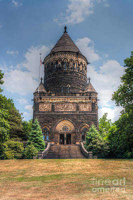 Photograph - James A. Garfield Monument Iv by Clarence Holmes