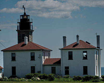 Photograph - Jamestown Lighthouse by Barry Doherty