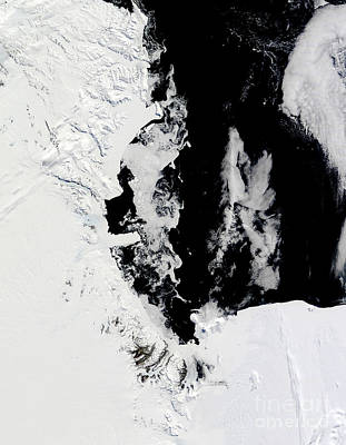 January 18, 2010 - Ross Sea, Antarctica Art Print by Stocktrek Images