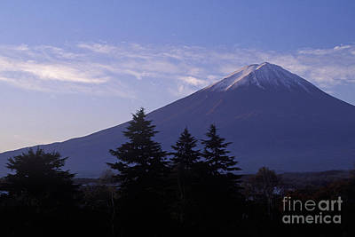 Photograph - Japan-66-11 by Craig Lovell