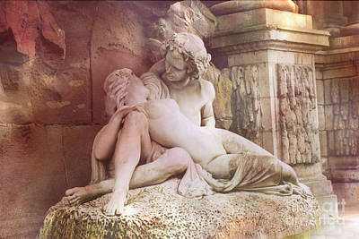 Statuary Photograph - Jardin Du Luxembourg Gardens - Medici Fountain Lovers by Kathy Fornal