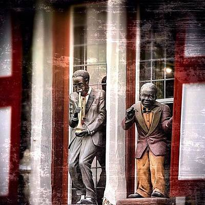 Celebrities Wall Art - Photograph - Jazz In The Windows by Manuel M Almeida