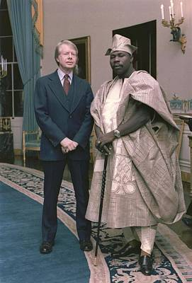 Jimmy Carter With Nigerian Ruler Art Print by Everett