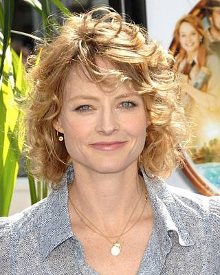 Charm Necklace Photograph - Jodie Foster At Arrivals For L.a by Everett